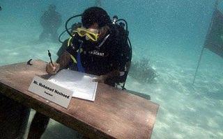 Maldiv Hükümeti Su Altında